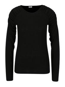 Čierne tričko s riasením na ramenách Jacqueline de Yong Adora