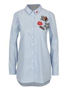 Bielo-modrá pruhovaná košeľa s nášivkami Rich & Royal