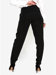 Čierne skrátené nohavice Selected Femme Amila Zoe