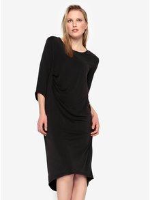 Čierne voľné šaty s nazberkaním na boku Selected Femme Nola