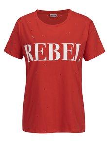 Červené tričko s potlačou a kamienkami Noisy May Command