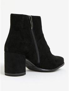 Čierne semišové členkové topánky s mašľou Tamaris