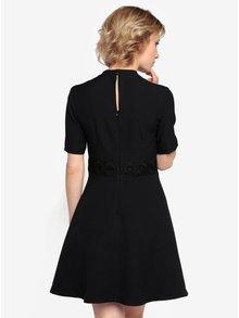 Čierne šaty s čipkovanými detailmi Oasis Lace