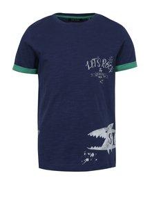 Tmavomodré chlapčenské tričko s potlačou žraloka Blue Seven