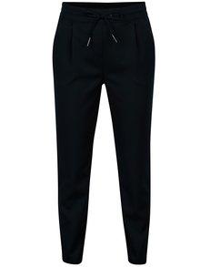 Tmavě modré kalhoty s gumou v pase VERO MODA Rory