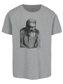 Šedé pánské žíhané tričko s potiskem Makia Wilhelm