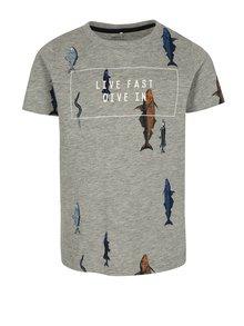 Sivé melírované chlapčenské tričko s potlačou rýb name it Ibrahim