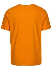 Oranžové tailored fit tričko Barbour Sports Tee