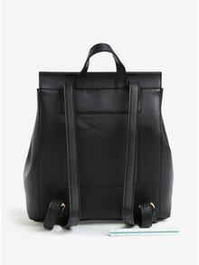 Čierny batoh s chlopňou Pieces Unnel