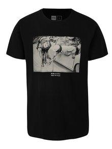 Čierne tričko s potlačou Dedicated Ride to live