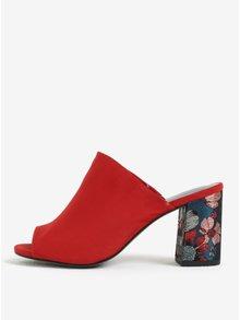Červené papuče v semišovej úprave na podpätku Tamaris