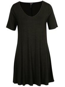 Čierne šaty s véčkovým výstrihom Yest