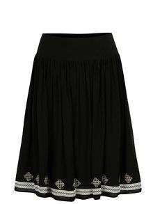 Čierna sukňa s potlačou Yest
