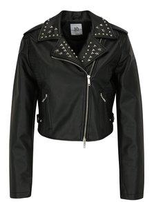 Čierna skrátená koženková bunda s detailmi v striebornej farbe Bunda SH Goiere