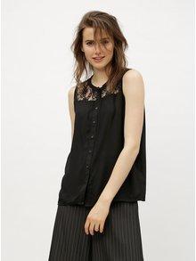 Černá halenka s krajkovým sedlem VERO MODA Abby