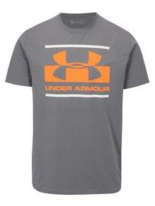 Sivé pánske funkčné tričko s potlačou Under Armour