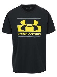 Tmavosivé pánske funkčné tričko s potlačou Under Armour