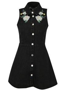 Čierne rifľové šaty s kvetovanou výšivkou Miss Selfridge