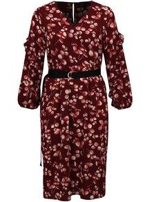Vínové květované šaty s páskem simply be.