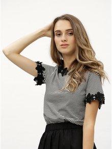 Tricou alb-negru in dungi cu detalii din dantela Dorothy Perkins