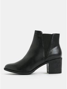 Čierne dámske členkové topánky na vysokom podpätku Geox