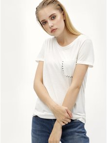 Tricou alb cu buzunar la piept Jacqueline de Yong Goa