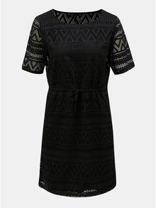 Čierne čipkované šaty so sťahovaním v páse ONLY