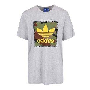 Tricou gri Adidas Originals Camo cu print la pretul de 159.99