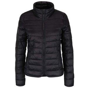 Jachetă neagră ONLY Tahoe matlasată la pretul de 229.99