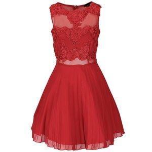 Rochie roșie AX Paris cu detalii din dantelă la pretul de 274.99