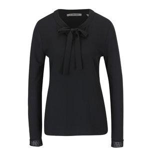 Bluză neagră Rich & Royal cu fundă la pretul de 419.99