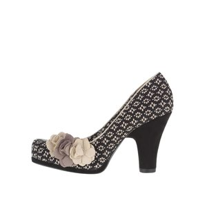 Pantofi negru-crem Ruby Shoo Eva cu accesoriu