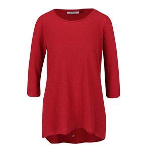 Bluză roșie ONLY Casa din bumbac cu tiv asimetric și model discret la pretul de 69.99