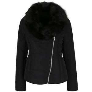 Jachetă neagră matlasată VILA Groova cu guler din blană artificială la pretul de 314.99