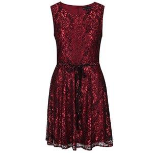Rochie fără mâneci roșu Bordeaux cu negru din dantelă Mela London la pretul de 179.99