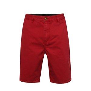 Pantaloni chino scurți roșii Quiksilver din bumbac cu croi drept de la Zoot.ro