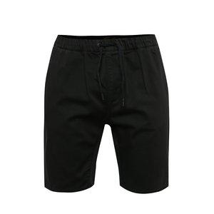 Pantaloni scurți negri Quiksilver cu talie elastică de la Zoot.ro