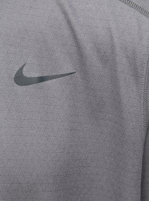 b09ba054f275 Sivé pánske funkčné tričko s krátkym rukávom Nike - Pánske oblečenie