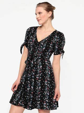 8d1ee4e72bd4 Černé květované šaty Miss Selfridge