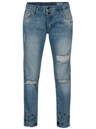 Blugi albastri boyfriend cu aspect uzat si aplicatii metalice - Cross Jeans