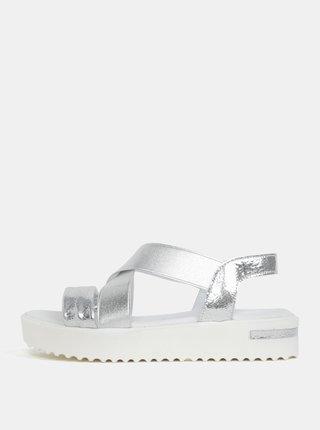 Sandály ve stříbrné barvě na platformě Tamaris