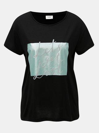 Černé tričko s potiskem a semišovým nápisem Jacqueline de Yong Roa