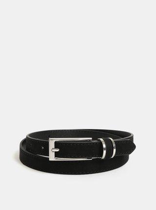 Černý pásek s detaily ve stříbrné barvě Pieces Kelsie