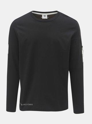 Čierne regular tričko s vreckom a nášivkou na rukáve Jack & Jones Band