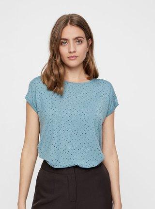 add7adac8605 Světle modré puntíkované volné tričko s krátkým rukávem VERO MODA AWARE  Plain