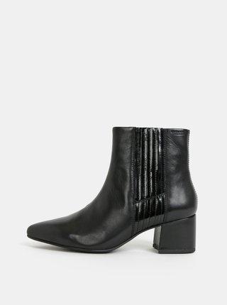 06d9dea573cb Čierne dámske kožené členkové topánky Vagabond Mya
