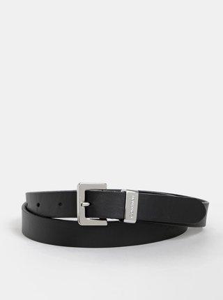 5bc15493e0 Černý dámský kožený pásek Calvin Klein Jeans