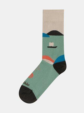 Zelené vzorované ponožky Fusakle Na přehradě