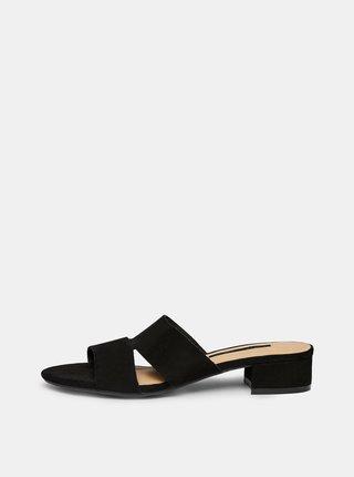 Černé pantofle v semišové úpravě Dorothy Perkins