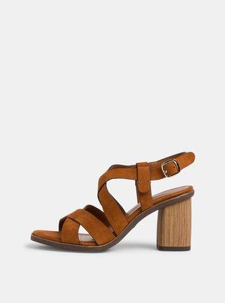 Hnědé semišové sandálky Tamaris